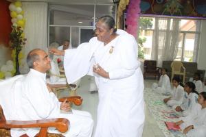 BK Lakshmi Benji welcoming to Prof. Swaminathan Bhai